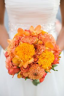 marigolds, freesia, tulips, cabbage roses, orchids, dahlias, whitehall, loudoun weddings