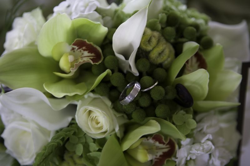Strong Mansion, Marc Kent Photography, Sugarloaf Mountain, cream roses, green roses, green cymbidium orchids, white stock, white phlox, white mini callas, green hydrangea, berzilia, brown fiddle head fern, green coxcomb.