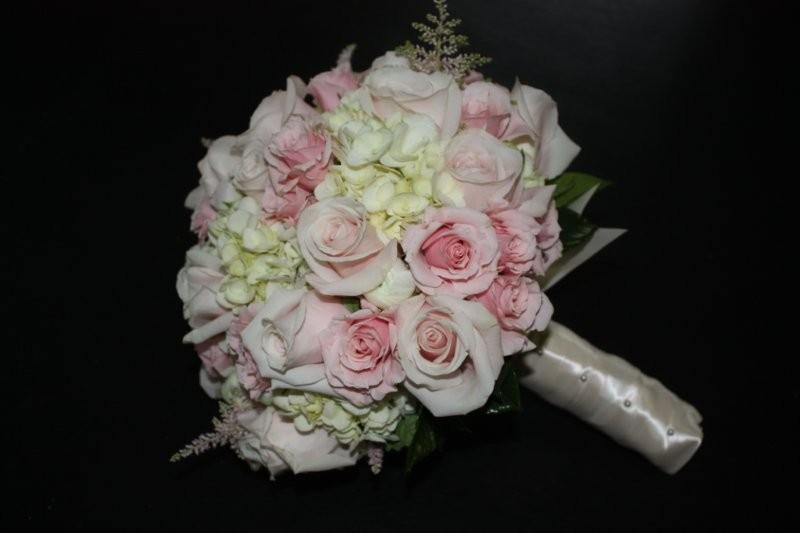 Pink Roses And Cream Hydrangea Bouquets- Wedding Number 1 - Holly ...