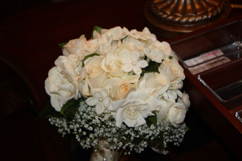 vendella roses, Gardenia, Stephanotis, baby's breath