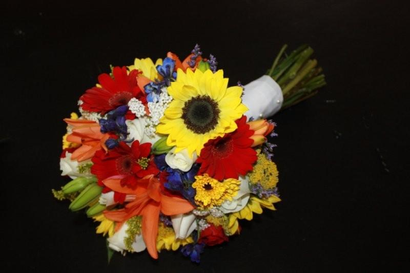 Sunflower Bridal Bouquetkylie Add to boardFacebook itTweet itPin it