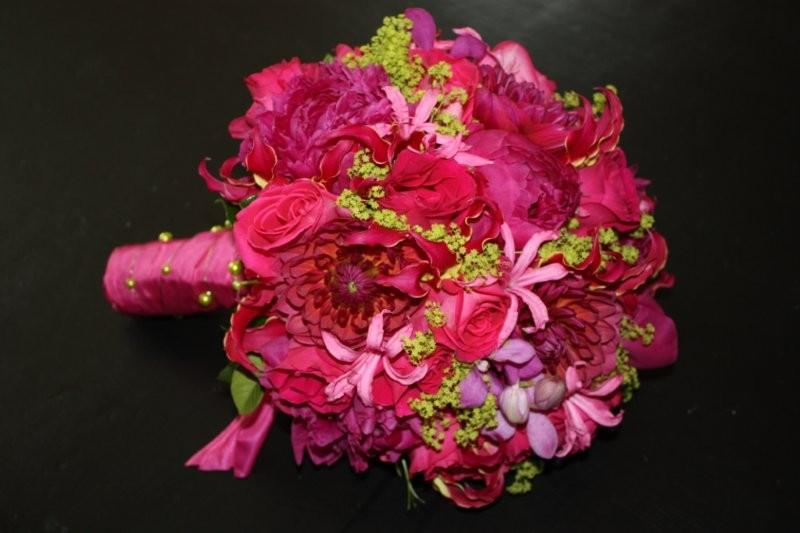 06292009 pink peonies dahliasroses and nerine for amanda at lansdowne resort bouquets green wedding