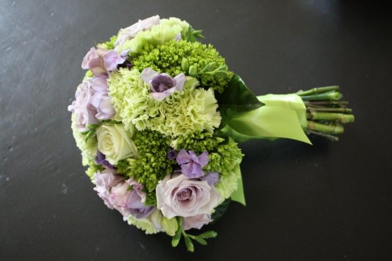 green Hydrangea lavender Phlox and lavender Freesia The wedding took