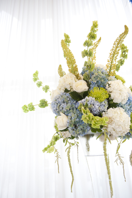 ross amp merediths blue and green wedding flowers at