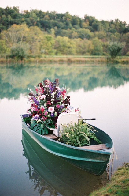 flowers in a boat, wedding flowers in a boat, loudoun weddngs, holly chapple flowers, middleburg weddings, purple wedding flowe