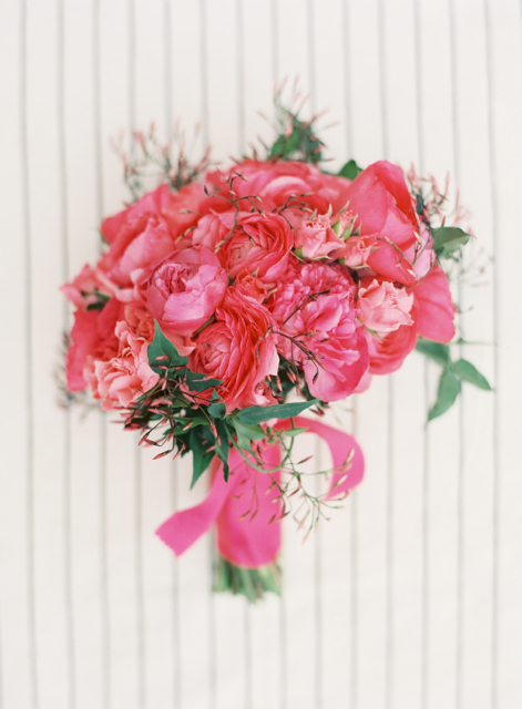 pink cabbage roses, bridal bouquet, pink ranunculus,