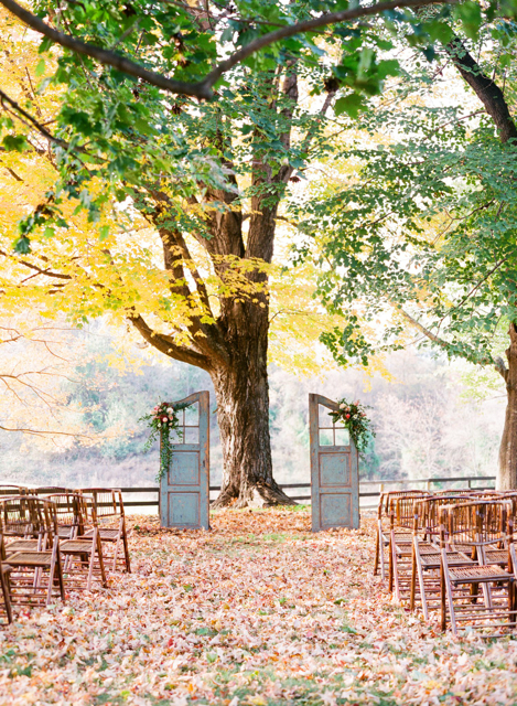loudoun weddings, barn weddings, antique furntiture at weddings