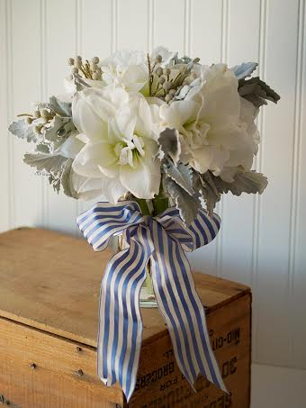 white amaryllis bouquet blue stripe Midori ribbon Chapel Designers Aluuring Blooms