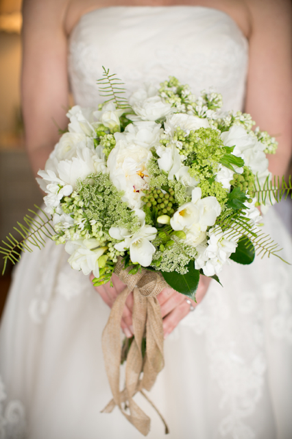 bluemont vineyard wedding, florist holly chapple